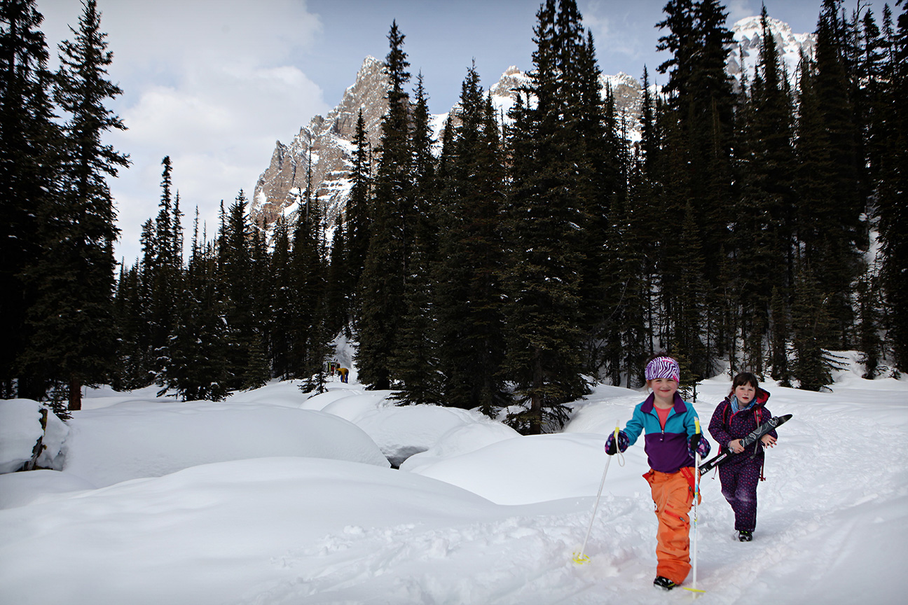 Winter Family Photography Session in the Canadian Rockies